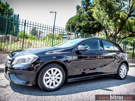Mercedes benz a 180 xenon book service diesel 39 13 17 for Mercedes benz books