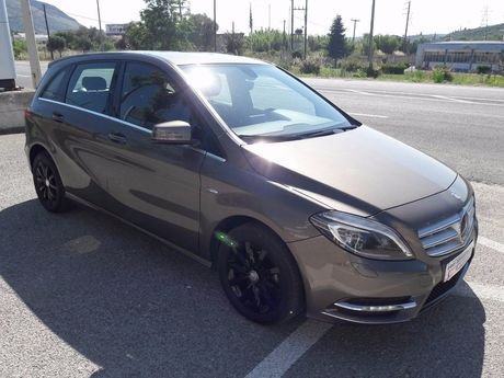 Mercedes-Benz B 180 SPORTS TOURER '12 - 21.500 EUR