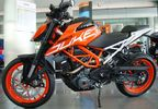 "KTM 390 Duke NEW ABS 2017 ""Δώρο"" '18 - 5.690 EUR"