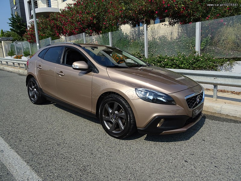volvo v40 cross country d2 1 6 diesel momentum aytomat 39 2014 18500 0 eur. Black Bedroom Furniture Sets. Home Design Ideas