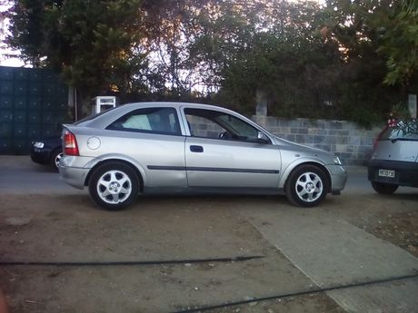 Opel Astra  '00 - € 1.900 EUR
