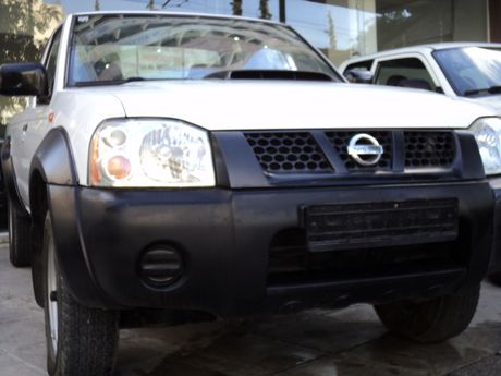 Nissan NP300 NAVARA PICKUP SINGLE CAB 4X4 '09 - 10.400 EUR