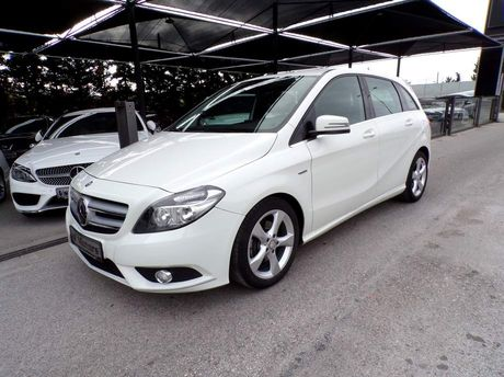 Mercedes-Benz B 200 SPORT PACKET-LEATHER-CAMERA '12 - 17.700 EUR