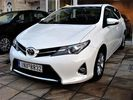 Toyota Auris ACTIVE-SPORT-LOUNGE FULL-EXTRA