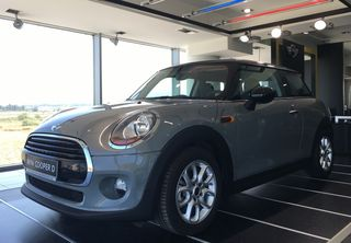 Mini Cooper D Automatic Pepper F56