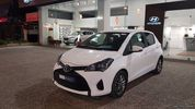 Toyota Yaris LIVE PLUS