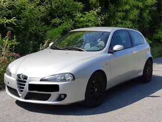 Alfa Romeo Alfa 147 1.6 DISTINCTIVE