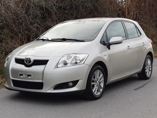 Toyota Auris 1.4cc VVTi - UNIQUE