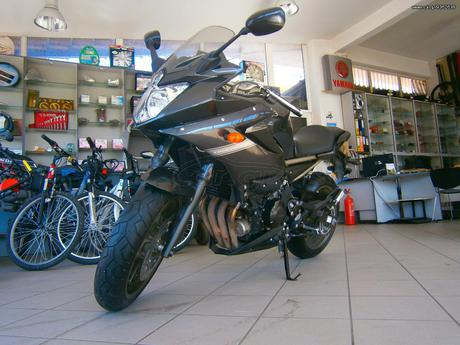 Yamaha XJ6 DIVERSION  '09 - € 4.000 EUR