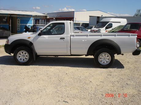 Nissan  NAVARA PICK-UP 4X4 133HP '06 - 8.800 EUR